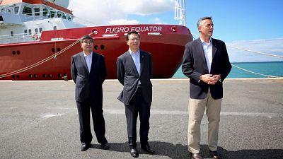 Le ministre malaisien des transports rencontre les familles des passagers du vol MH370