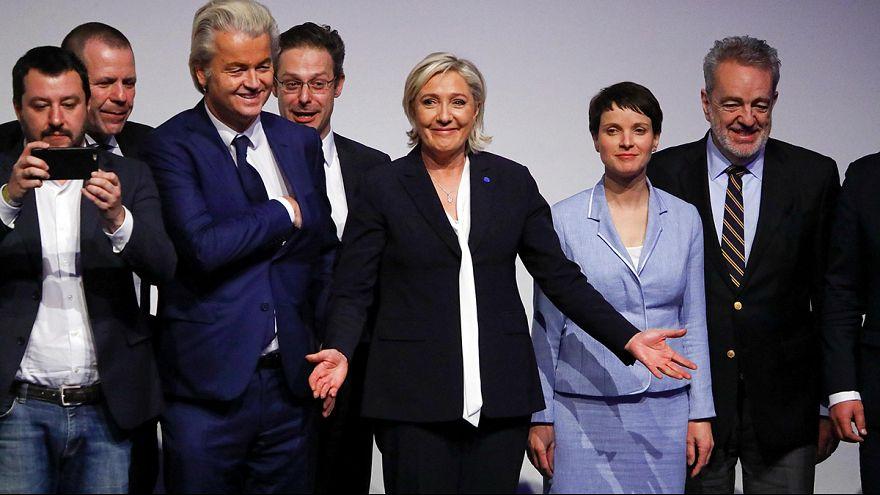 Rummel um Rechtspopulisten: Le Pen, Petry und Wilders in Koblenz