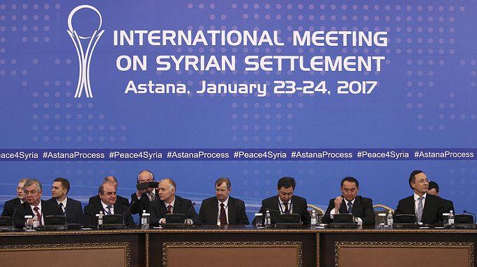 مذاکرات دولت و مخالفان سوریه در قزاقستان با جنگ لفظی آغاز شد