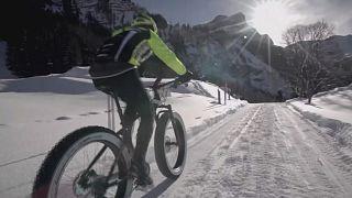 Snow Bike festival: Suíços dominam prova de ciclismo na neve