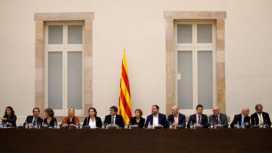 """Carles Puigdemont: """"Je souhaite une déclaration d'interdépendance"""" avec l'Espagne"""
