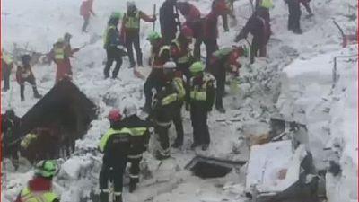 Italie : le bilan de l'avalanche s'alourdit