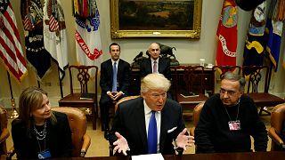 Csökkenti a járműiparra vonatkozó szabályozásokat Donald Trump