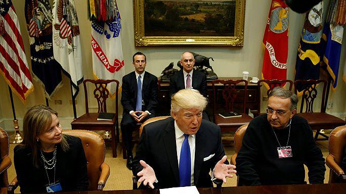 ترامب يحث شركات السيارات على فتح مصانع جديدة في أمريكا