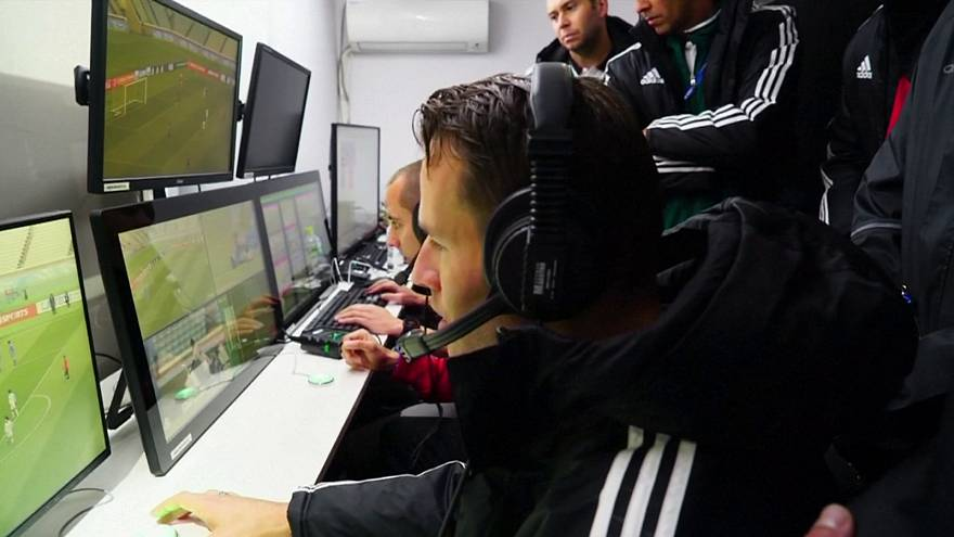 German Bundesliga first to get assistant video referees