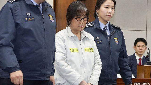 Глава КС Южной Кореи призывает принять решение по импичменту до 13 марта