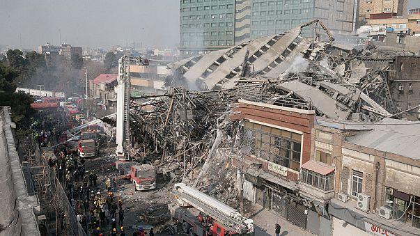 Tahran'da çöken 17 katlı binada arama kurtarma çalışmaları sürüyor
