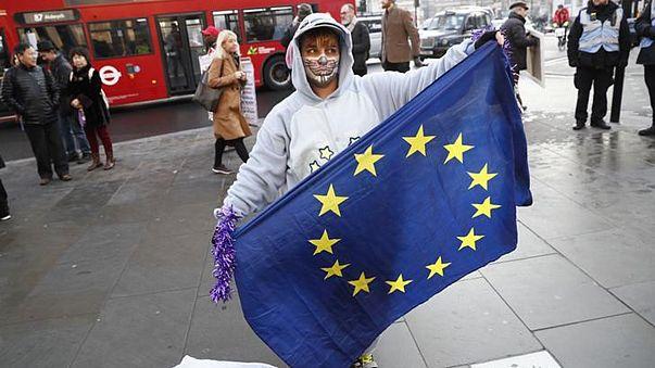 Breves de Bruxelas: Schengen, Brexit e contas da Grécia