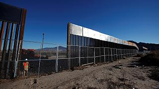 مکزیک آغاز ساخت دیوار جدایی در مرز با آمریکا را محکوم کرد