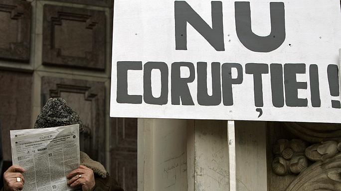 Brussels to keep monitoring Romania over corruption