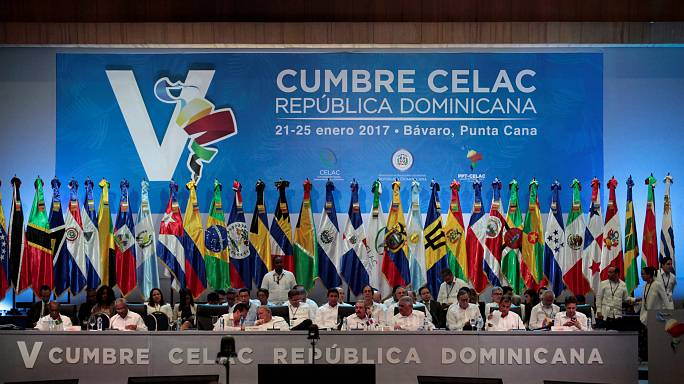 Celac finaliza con el apoyo al diálogo en Venezuela y una tímida declaración contra EE. UU.