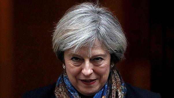 Theresa May visita Trump com comércio e NATO na agenda