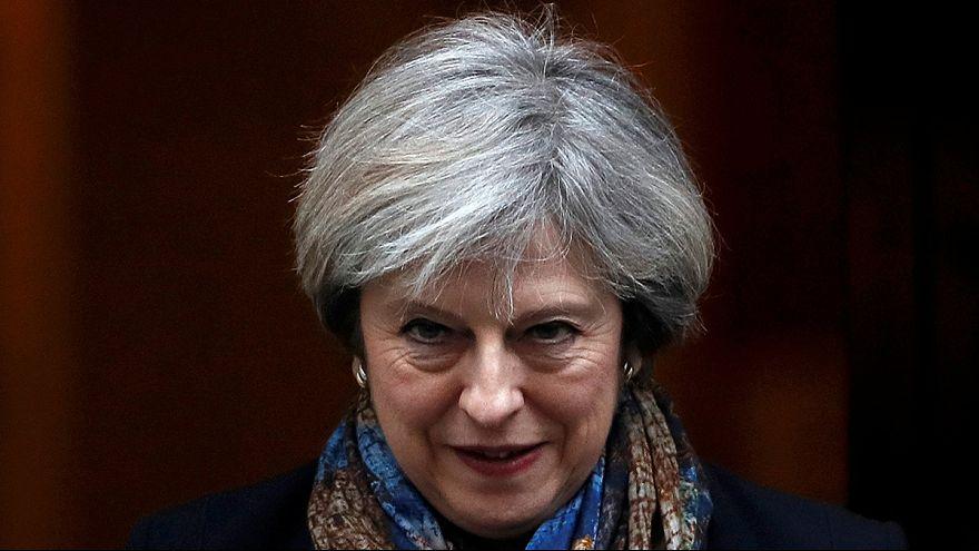 Theresa May vola da Trump. Il prossimo addio all'Europa mette le ali a Londra