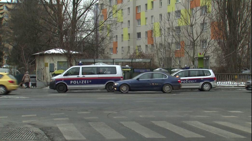 """В Австрии задержаны подозреваемые в связях с группировкой """"ИГИЛ"""""""
