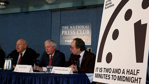 تقديم ساعة نهاية العالم إلى ثلاثين ثانية