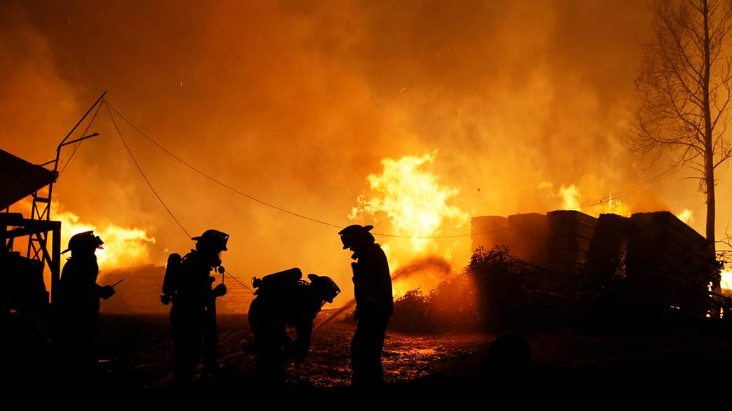 Deadly wildfires in Chile destroy entire town