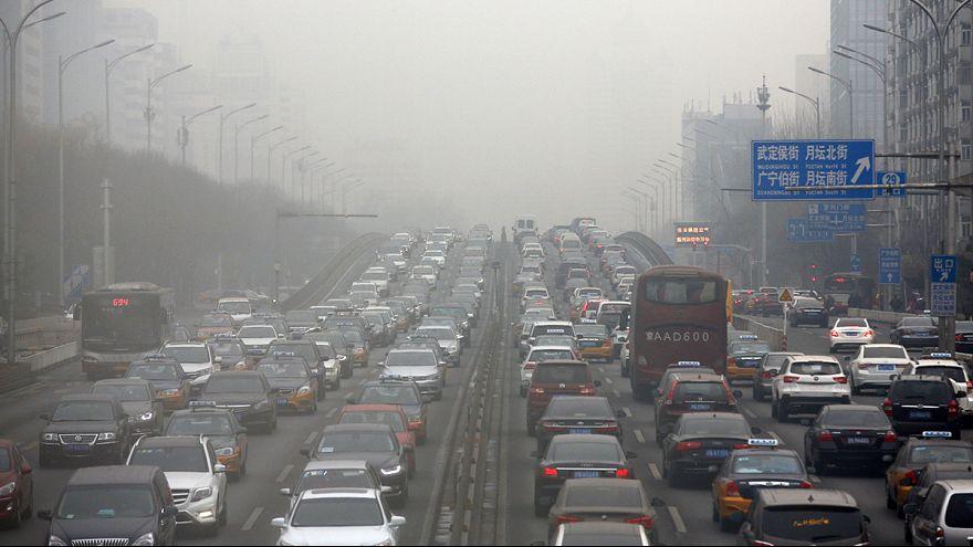 Cina: cieli inquinati niente fuochi d'artificio a Pechino