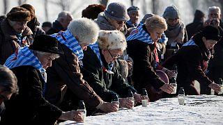 Bewegende Zeremonien am Internationalen Holocaust-Gedenktag