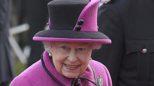 Erster öffentlicher Auftritt der Queen nach schwerer Erkältung