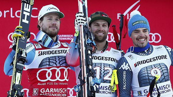 Esqui alpino: Travis Ganong regressa às vitórias em Garmisch-Partenkirchen