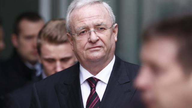Prosecutors probe when VW's former chief executive knew of emissions cheating