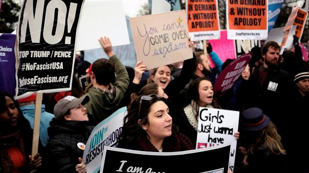 Washington'daki kürtaj karşıtı yürüyüşe Başkan Yardımcısı Pence de katıldı