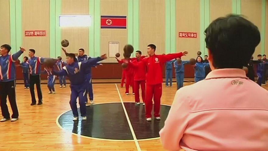 N.Korea: basketball players turn to gymnastics to improve suppleness