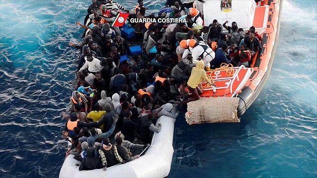 Около 1000 мигрантов спасены в Средиземном море за сутки