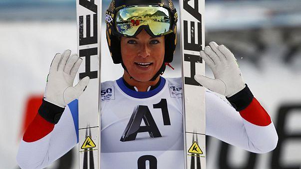 Esqui alpino: Gut volta a vencer e aproxima-se de Shiffrin