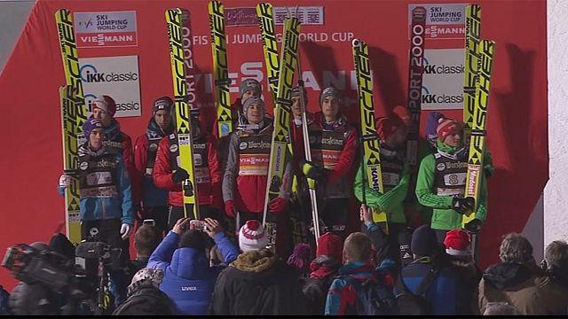 Polonia gana la prueba por equipos de saltos de esquí en Willingen