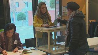 Francia: al via secondo turno delle primarie socialiste