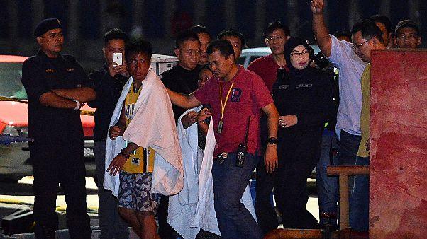 Las autoridades malasias buscan a seis personas tras un naufragio en el este del país