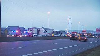 Súlyos tömegkarambol egy francia autópályán