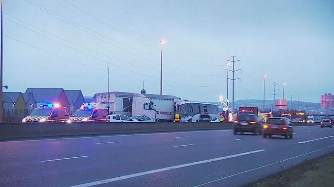 Fransa'da zincirleme kaza: 65 yaralı