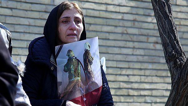گزارش تصویری؛ وداع مردم تهران با آتشنشانان جانباخته در حادثه پلاسکو