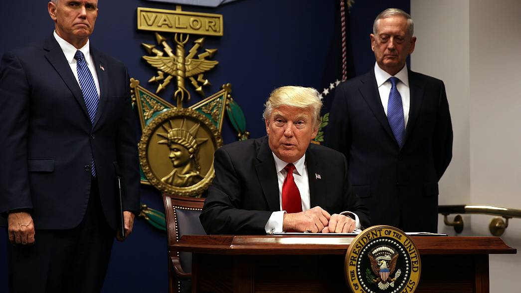 Trump's travel ban : The lawsuits on the horizon