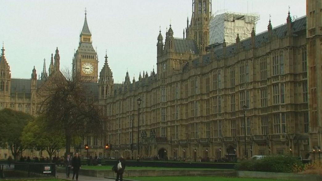 Le Parlement britannique discute le lancement de la procédure du Brexit