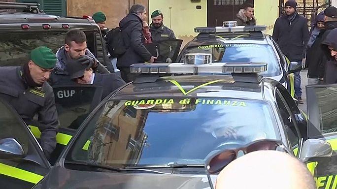 Fegyvercsempészekre csapott le a rendőrség Olaszországban