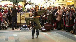 El ballet Bolshoi, en un centro comercial de Moscú