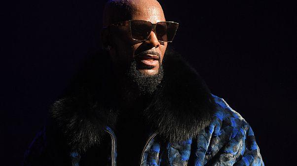 R. Kelly performs in Atlanta