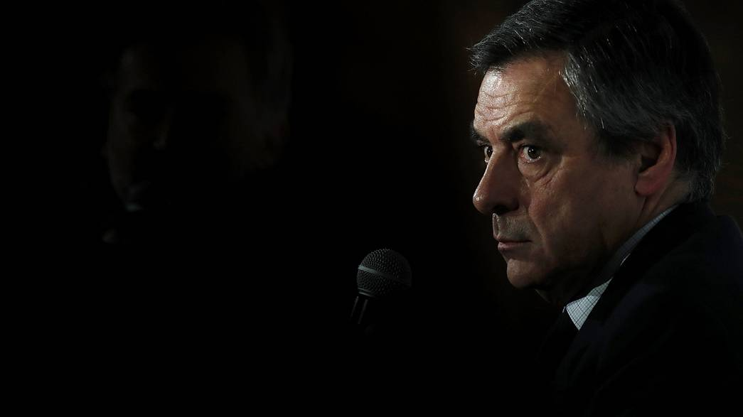Fillon sinks further under new corruption allegations