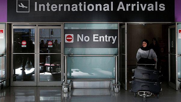 فدریکا موگرینی: فرمان ترامپ شامل شهروندان اروپایی دوتابعیتی نمی شود