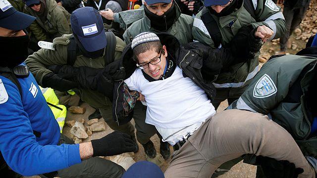 Полиция Израиля ликвидирует еврейское поселение Амон по решению суда