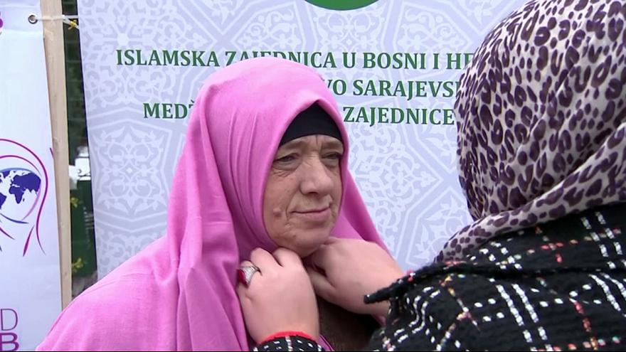 """Saraybosnalı kadınlar """"Dünya Başörtüsü Günü""""nü kutladı"""