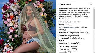 Beyoncé pregnancy photo breaks records