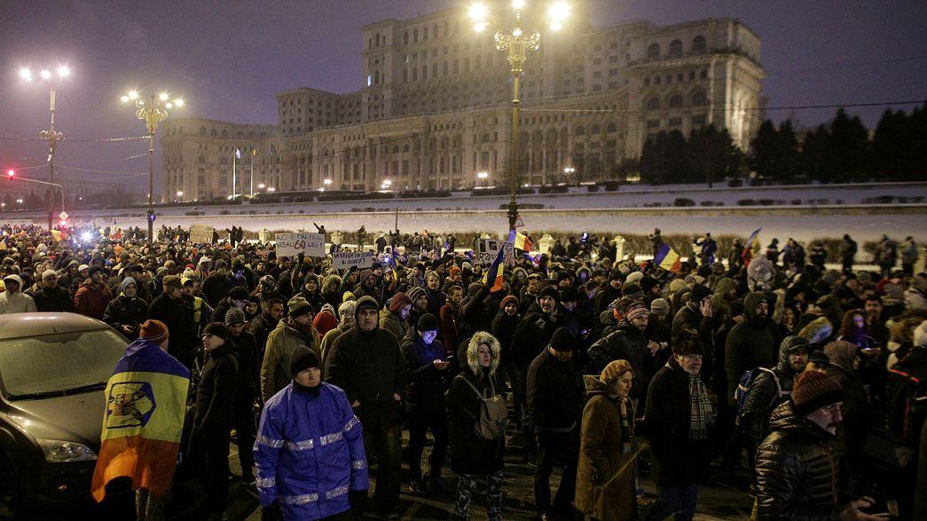 Manifestations en Roumanie : un ministre lâche le gouvernement
