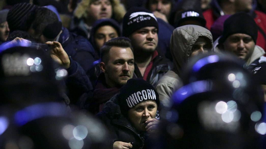 What do Romanians think of country's corruption controversy?