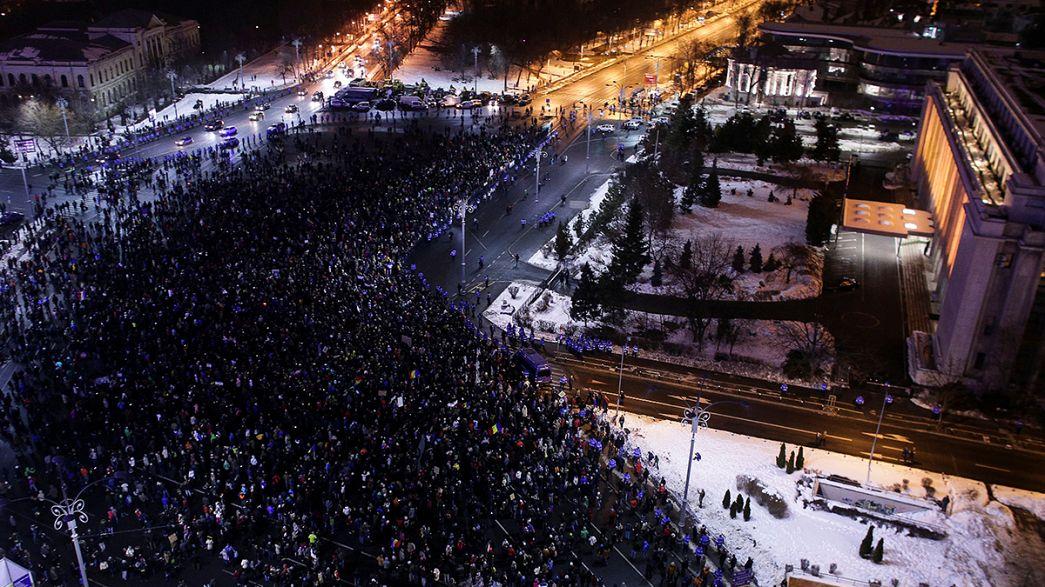 Roménia: Constitucional exige explicações sobre alteração do Código Penal