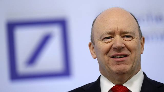 Deutsche Bank CEO'su Cryan: Zararımız sadece maddi değil