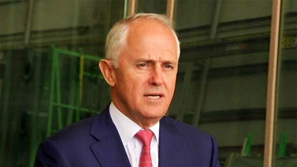 """""""Trump Avustralyalı liderin yüzüne telefon kapattı"""" iddiası"""
